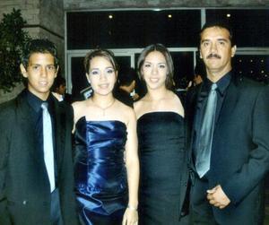 <b>30 julio </b> <p> Mónica Chávez Norte, Roberto Chávez, Roberto y Dinora Chávez Norte.