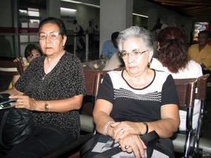 Elena Padrón de Suárez y Guadalupe Padrón Pérez regresaron a la ciudad de Veracruz.
