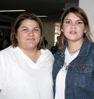 Para tratar asuntos de trabajo viajó a Guadalajara, Rubelia Castilo, la despidió su hermana Claudia Castillo.