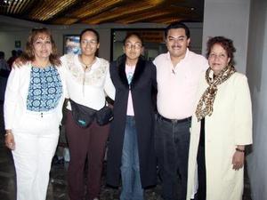<b>01 de agosto</b> <p> Regresaron a Chaluvista, Cal., Martha Martínez, Denis Hernández, Lizbeth y María de los Ángeles Levanant, los despidó Carlos  Estrada.