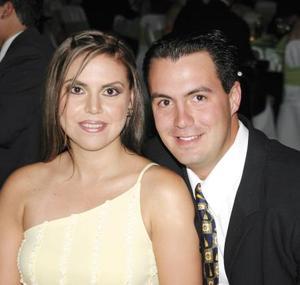 Carmen María Sánchez y Luis Wolff asistieron a una recepción de boda.