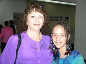 Alejandra Ríos y Ana María García regresaron a Ciudad de México después de vacacionar en La Laguna.