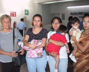 <b>03 a 04 de agosto</b> <p> Regresaron al D.F. Itzel y Alicia Ornelas, Azic y Adriana Vera. Las despidieron Alicia Rivas y Alejandra Ornelas.