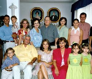 La familia García Martínez festejó el cumpleaños de María Fernanda Cristophe, jovencita que llegó procedente de Francia.