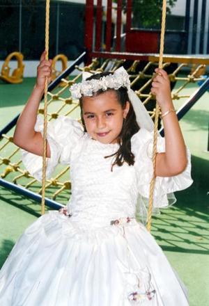 Patricia Alejandra Flores Aguirre en el convivio que le ofrecieron sus padres, Ricardo Flores y Paty de Flores