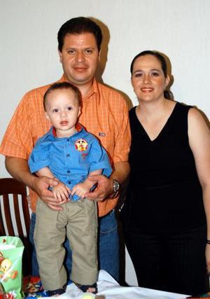 Por su tercer cumpleaños el pequeños Sebastián fue festejado por sus padres, Jaime Villanueva Sánchez y Mónica González de Villanueva.