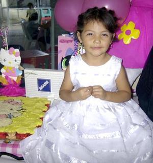 Tres años cumplió  Emily Cristal García Moreno, fue festejada por su mamá Petite Moreno Dávila.