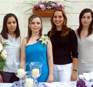 Eunice Rodríguez Abdo, Ana Lucy Suárez, Laura Leal de GOnzález y Rocío Camacho Macías captadas en reciente festejo social.