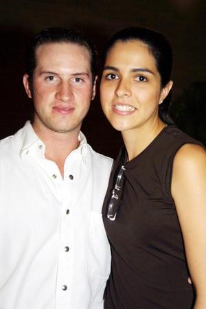 <b>04 de agosto </b><p>Tomás Regueiro y Ana Claudia Baca.