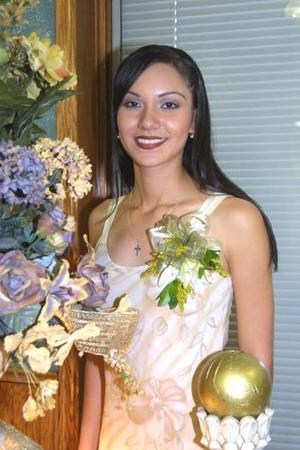 Karla Verónica Lozano Vázquez en su primera despedida de soltera. ella se casará con Rodrigo Eduardo Guerrero el 13 de septiembre.