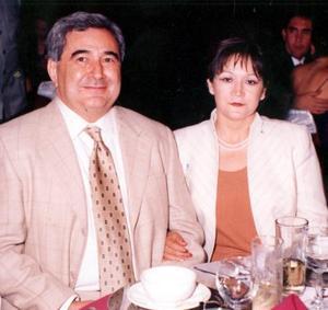 Señores Héctor M. Rojo y Carmen de Rojo.