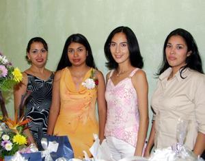 <b>07 de agosto</b> <p> Con un festejo pre nupcial  festejaron a Liliana Hernéndez del Valle, ofrecido por Bertha del Valle y María de Jesús Romero