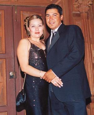 <b>07 agosto</b> <p> Olga de Salazar y Salvador Salazar Fierro.