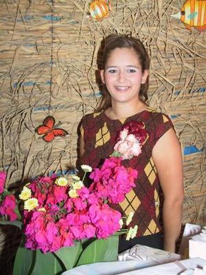 Señorita Claudia Elizabeth Pacheco Elizalde en la fiesta de despedida que le ofrecieron recientemente.
