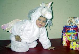 Al cumplir dos años de edad, la pequeña Edna Gabriela fue festejada por sus padres Daniel y Gabriela Mora.