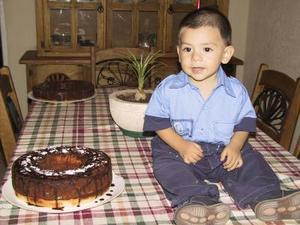 Iker Rafael Caldera Slva celebró su primera año de vida con una merienda preparada por su tía Farah Silva de Rodríguez.