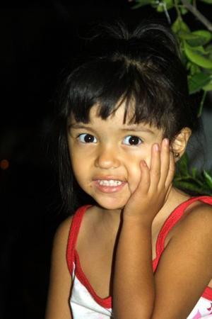 Linda Hernández S., fue captada recientemiento en un convivio infantil.