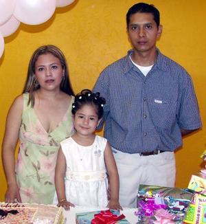 Por su tercer cumpleaños Festejaron a Paola Andre, sus padres Valentín Martínez y Claudia Leticia  Flores.