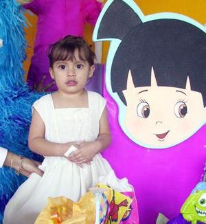 Sofía del Carmen fue festejada en su tercer cumpleaños es hija de los señores Hector Alfaro y Carmen Reyes de Alfaro.