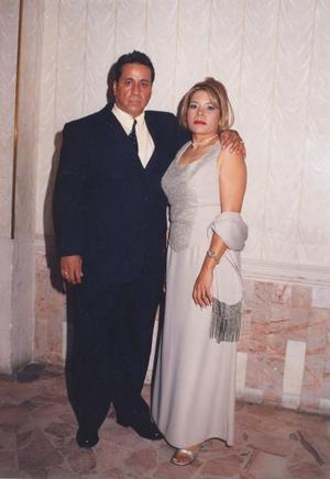 Arturo Galarza Herrera se graduó de la Escuela de Ingeniería Mecánica y Electrónica y estuvo acompañado de su esposa, Graciela Pasillas de Galarza.