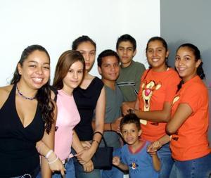 Daniela Álvarez, Angélica Hermosillo, Mónica Duarte, Marcela Acosta, Ana Carson, Raúl felipe Vargas, Gerardo Mendieta y César Acosta.