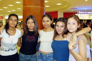 Edlyn García Morán, Luz María Jasso, Elisa del Carmen González, Diana Cristina Salazar y Cynthia Lizeth Flores.