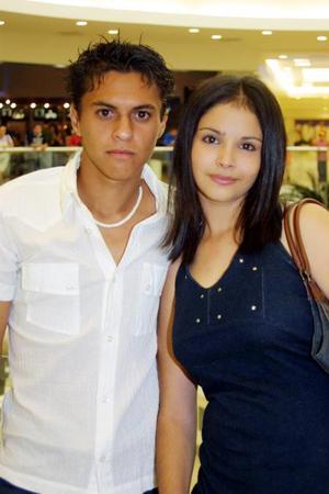 Jonathan García y Ana Salcido.