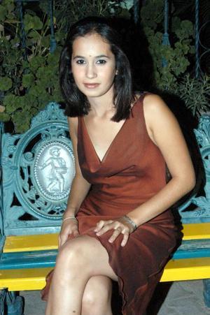 Señorita Dora E. Varela B, captada en reciente convivio social.