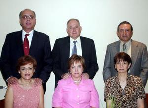 Armando Martínez y Lety de Martínez, Sergio González y Susana de González, Jesús de Lara y Ángeles de Lara.