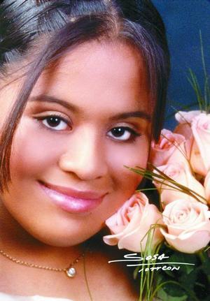 <b> 12 de agosto </b> <p>Srita. Vita Elvia Balderas López celebró su décimo quinto aniversario de vida con una misa de acción de gracias el 12 de julio de 2003.