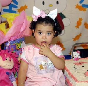 La niña Melyssa Mena Salazar celebró su segundo aniversario de vida con un convivio preparado por sus papás.