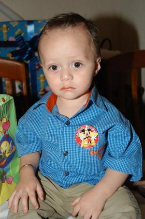 <b> 13 de agosto </b> <p> Por su primer aniversario de vida festejaron a Sebastián Villanueva González.