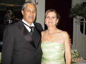 Gerardo de la Torre y Patricia Dillon de De la Torre.