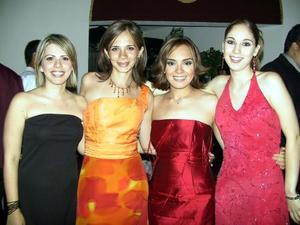 Paty de Amador, Bárbara García, Karla Reyes y Graciela de Reyes.