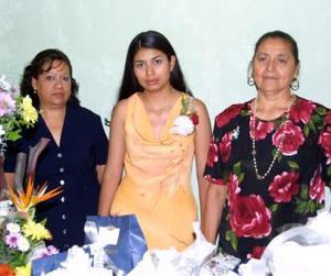 Liliana Hernández contraerá matrimonio con Omar Saucedo Romero el próximo seis de septiembre y fue festejada con un convivio ofrecido por su mamá y su futura suegra.