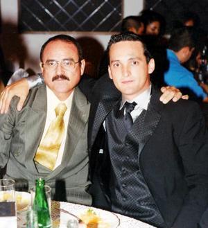 Roberto Carlos Ortíz y su papá Roberto Ortiz González