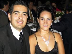 <b> 15 de agosto <b> <p>Rodrigo Saracho y Lorena Morales de Saracho.