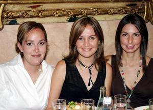 <b> 15 de agosto </b>  <p>Lorena Tinoco, Luly López Barrio y Blanca Ramírez de Murra.