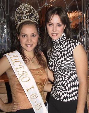 <b> 15 de agosto </b>  <p>Junto a Mariana García la nueva reina de la Feria de Torreón aparece la reina saliente Lucer Méndez Martínez.