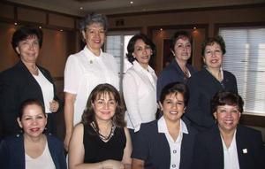 <b> 15 de agosto </b> <p> Jose de Ruiz, Nora de González, Chela de Román, Lupita Caballero de Backmann, Cony de López, Rosario de Herrera, Lucero de Méndez, Pera de Olvera y Elvita de González
