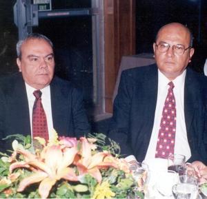 <b> 16 de agosto </b> <p> Señores Francisco E. Jaime Jáquez y José Jaime captados en el Club Campestre.