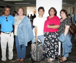 Para asistir a un curso de migración llegaron  a La Laguna , Carmen Mirazo y María Pruis, fueron recibidas por Guadalupe Guevara, Hugo Facio y Felipe Soto.