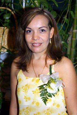 Irma Delia Castro Galindo contraerá matrimonio con Agustín Hernández Hernández y por ello fue despedida con una despedida de soltera.