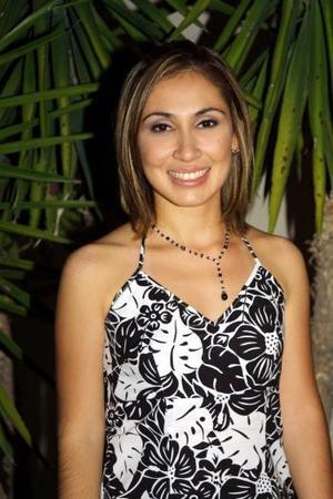 Mariana Ataxka Torres contraerá matrimonio religioso con Carlos Javier Mena García el 30 de agosto.