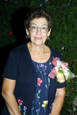 Doña Cuquita Rosales fue festejada el dia que cumplió  un año más de vida.