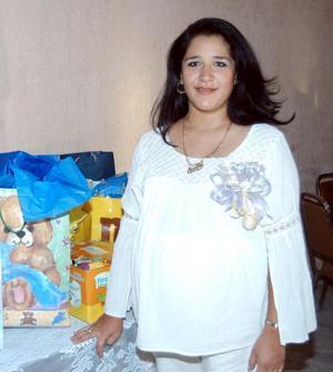Janette Dipp de Samaniego fue homenajeada con una fiesta de canastilla.