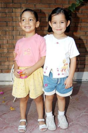 Ana Sofía y Luisa Fernanda Sáenz López captadas en reciente festejo infantil