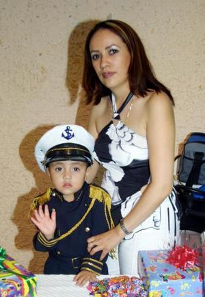 <b> 17 y 18 de agosto </b> <p>  Ulises Sebastián Rubio Cárdenas cumplió tres años de edad y los celebró con una piñata que le organizó su mamá Margarita Rubio Cárdenas.