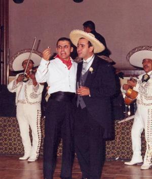 Al compás de las melodías, Enrique Mery y Bruno Solís cantaron con el mariachi