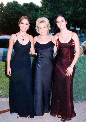 Fabiola Garza, Elvira  Gutiérrez Franco y Patricia Garza.
